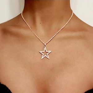 Jewelry - ✨✨Gold Star Necklace, Layering Necklace✨✨